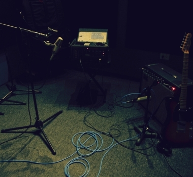 Tracking Guitars with Tape Delay