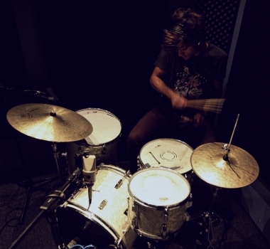 Tracking Drum Set